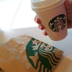 Photo taken at Starbucks by Yasemin Y. on 3/10/2013