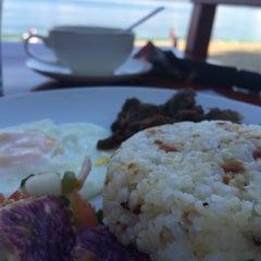 Photo taken at Apo Idon Beach Resort by Mikee salud on 4/24/2015