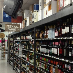 Photo taken at Spec's Wines, Spirits & Finer Foods by Amy H. on 2/6/2013
