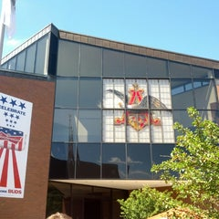 Photo taken at Anheuser-Busch Brewery Experiences by Matthew B. on 7/28/2013