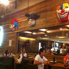 Photo taken at Sala Vip Pizza Bar by Flávia T. on 2/3/2013