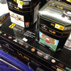 Photo taken at Bed Bath & Beyond by anonynay on 9/15/2012