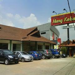 Photo taken at Mang Kabayan by Iwan R. on 1/17/2014