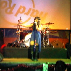 Photo taken at Hard Rock Cafe Jakarta by Ismiyanto .. on 12/22/2012