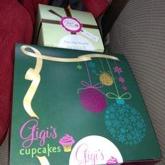 Photo taken at Gigi's Cupcakes by Jonna G. on 12/19/2012