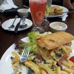 Photo taken at Wadihana Islamic Steakhouse by Eydria Adam  E.A.A on 9/3/2013