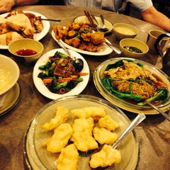 Photo taken at Cafe Noodle Chinese BBQ & Seafood by Shirley V. on 2/5/2014