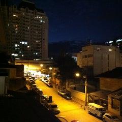 Foto tirada no(a) Porto da Ilha Hotel por Tatiana N. em 4/8/2013