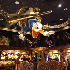 Photo taken at Mickey's PhilharMagic by The Fabe on 7/24/2013