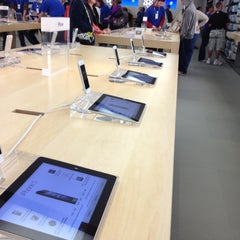 Photo taken at Apple Store, Pheasant Lane by cc e. on 10/27/2012