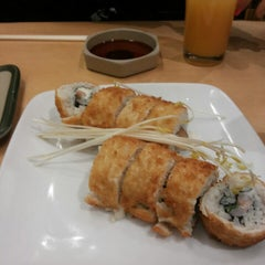 Photo taken at Sushi House by Daniel B. on 6/18/2013