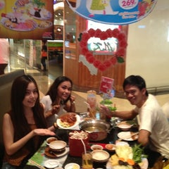 Photo taken at MK (เอ็มเค) by Minnie T. on 2/26/2013