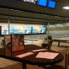 Photo taken at Strikerz Entertainment Center by Kevin C. on 7/2/2014