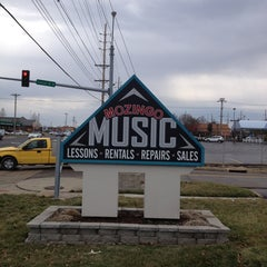 Photo taken at Mozingo Music by David P. on 3/14/2013