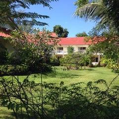 Photo taken at Hadsaengchan Resort & Restaurant by Niki S. on 11/13/2014