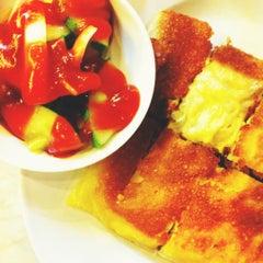 Photo taken at Zam Zam Restaurant by Adi A. on 6/24/2012