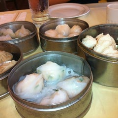 Photo taken at PV Palace Seafood Restaurant by Jean Y. on 8/17/2012
