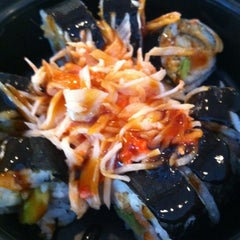 Photo taken at Rollbotto Sushi by Lance E. on 1/23/2012