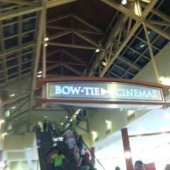 Photo taken at Bow Tie Annapolis Mall 11 by Darwin Y. on 3/24/2012