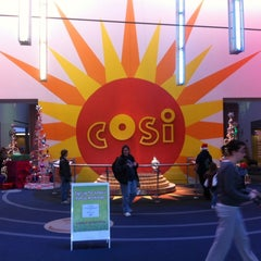 Photo taken at Center of Science and Industry (COSI) by 💋Nikii💋 L. on 12/10/2011