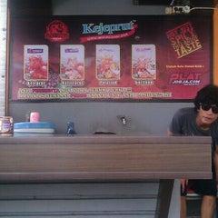 Photo taken at Es BangJo Tamsis by De P. on 1/4/2012