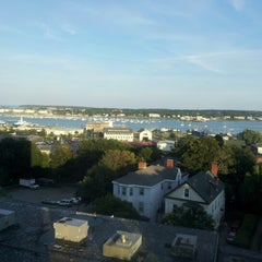 Photo taken at Holiday Inn Portland-By The Bay by Franny K. on 8/21/2012