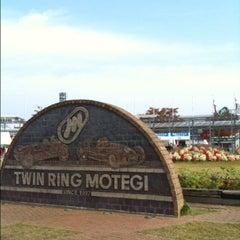 Photo taken at ツインリンクもてぎ (Twin Ring Motegi) by Yankinu on 11/5/2011