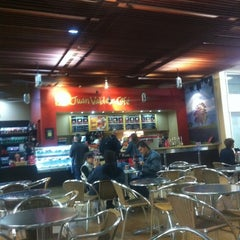 Photo taken at Juan Valdez Café by Alexandre P. on 9/18/2011