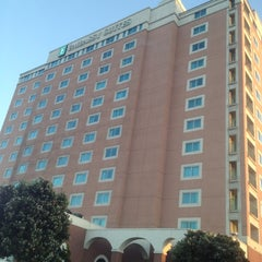 Photo taken at Embassy Suites Monterey Bay - Seaside by Maricela L. on 4/22/2012