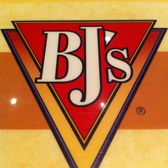 Photo taken at BJ's Restaurant and Brewhouse by Samuel M. on 2/25/2011