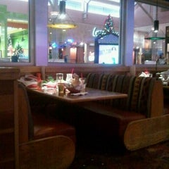 Photo taken at Red Robin Gourmet Burgers by Kt F. on 12/17/2011