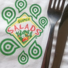 Photo taken at Super Salads by Mariana P. on 7/2/2012