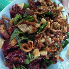 Photo taken at สมหมายลาบไก่ แม่แตง-ฝาง by mArOkOkAo ^. on 11/13/2011