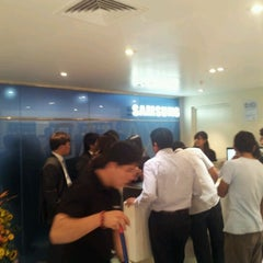 Photo taken at Samsung Galaxy Store by Juan Carlos C. on 3/22/2012