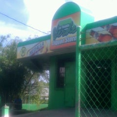 Photo taken at Tienda Verde (Green Store) by Raulito B. on 5/20/2012