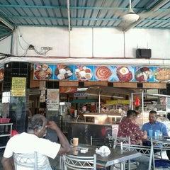 Photo taken at Restoran Osman by Chive M. on 6/7/2012