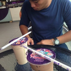 Photo taken at Chatime by Anje H. on 11/2/2014