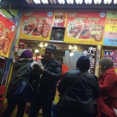 Photo taken at モーゼスさんのケバブ Doner Kebab by Zuhra Z. on 11/28/2015