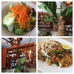 Photo taken at Sawaddee Thai-Sushi Restaurant by Eleanor(wokstar) H. on 8/12/2015