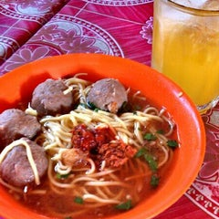 Photo taken at Bakso Awang Long by Panji A on 4/24/2013