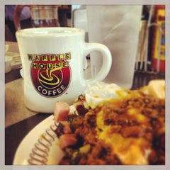 Photo taken at Waffle House by Rob Y. on 5/5/2013