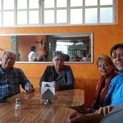 Photo taken at Especial de Acuca by Orlando A. on 11/30/2013
