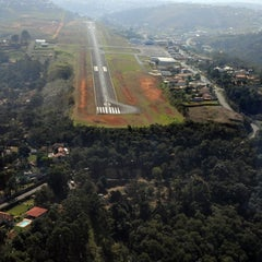 Photo taken at Aeroporto de Juiz de Fora / Serrinha (JDF) by Esperidião S. on 5/3/2013