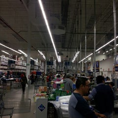 Photo taken at Sam's Club by Genoveva B. on 12/15/2012