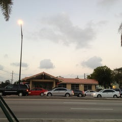 Photo taken at Intersection W Oakland Park Blvd & N Powerline Rd by Frank @. on 1/8/2013