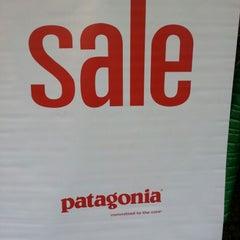 Photo taken at patagonia パタゴニア 大阪 by taroパパ on 2/2/2013