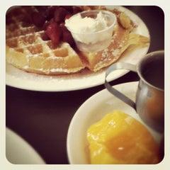 Photo taken at Tom Jones Family Restaurant by J R. on 5/13/2012