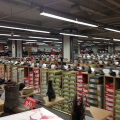 Photo taken at DSW Designer Shoe Warehouse by Tricia S. on 11/28/2012