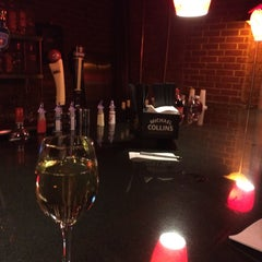 Photo taken at The Wheeltapper Pub by Gabriel أ. on 1/23/2015