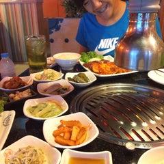 Photo taken at 람람 Lum Lum Korean Restaurant อาหารเกาหลี ล้ำลำ by Sponge F. on 5/14/2015